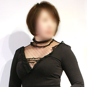 色っぽいグラマー巨乳の美熟女【友里香】300